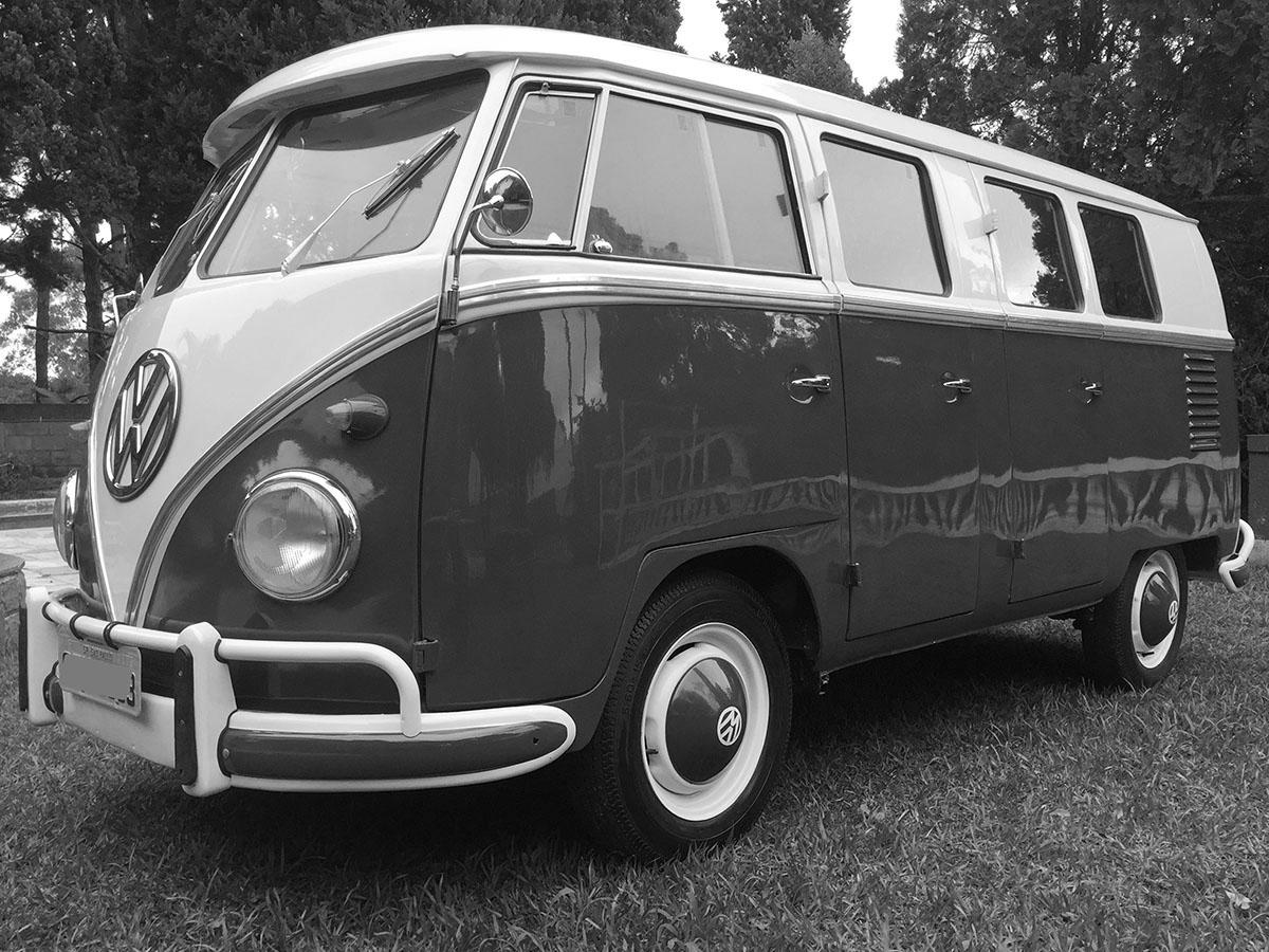 VW Kombi 6 Portas Cinza e Branco Lótus 1962