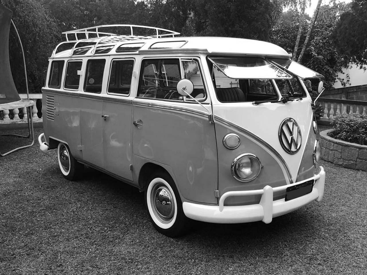 VW Kombi Samba Azul Niágara e Branca 1973