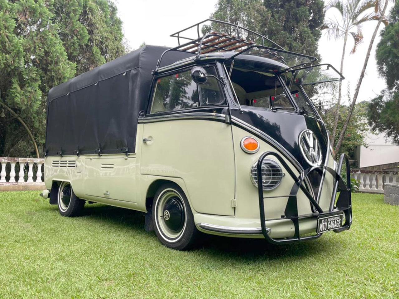 VW Kombi T1 Pick Up Black and Green 1974