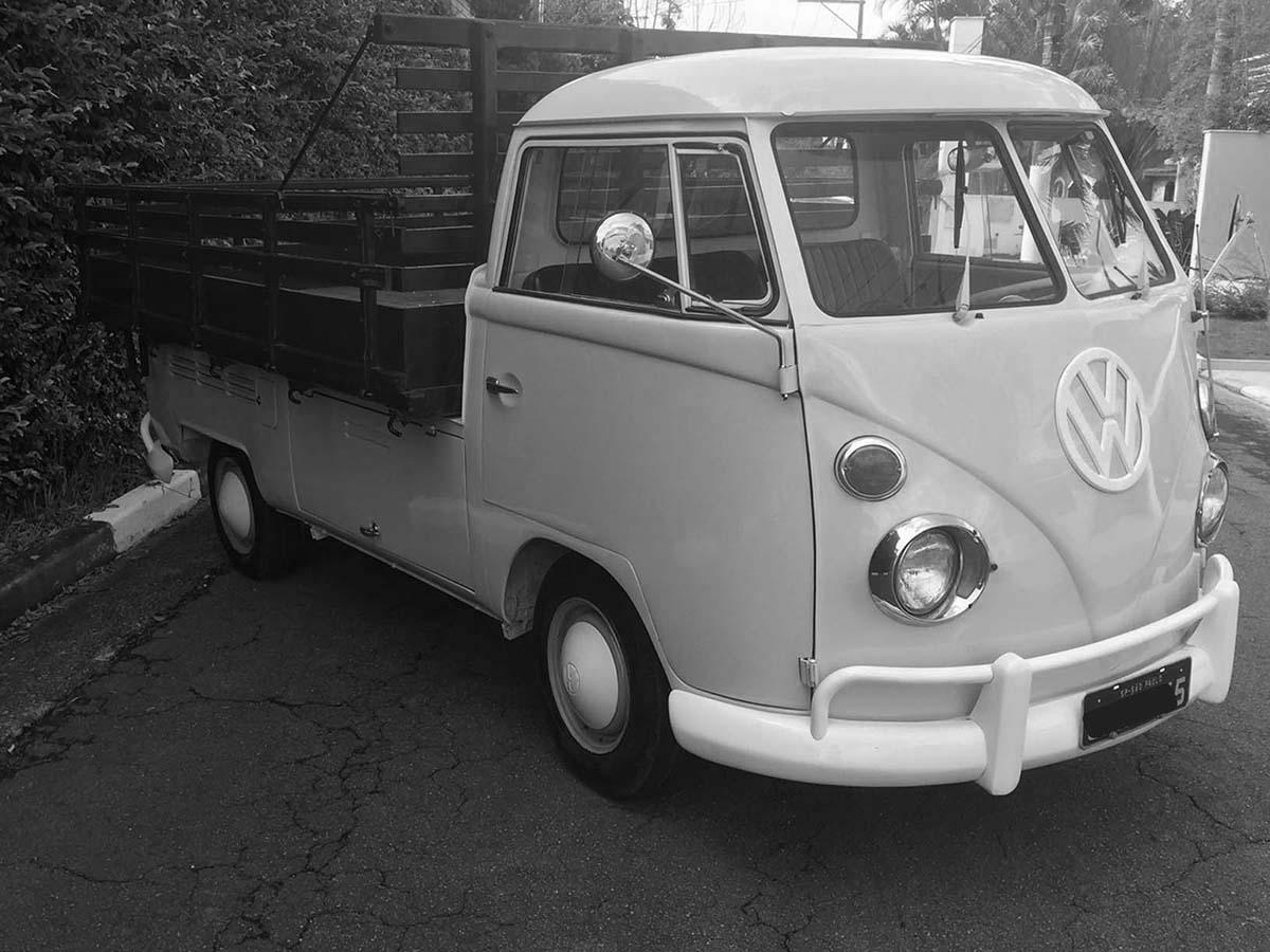 VW Kombi Pick Up Branco Lótus 1974