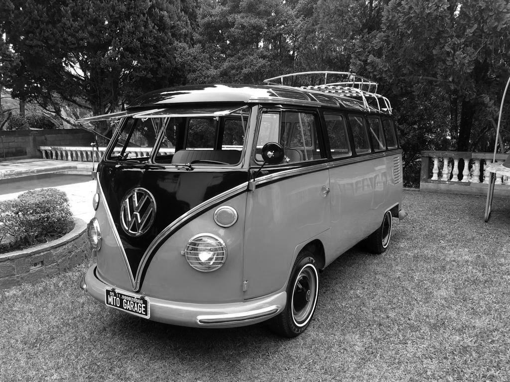 VW Kombi T1 Samba CoralRed Black 1974