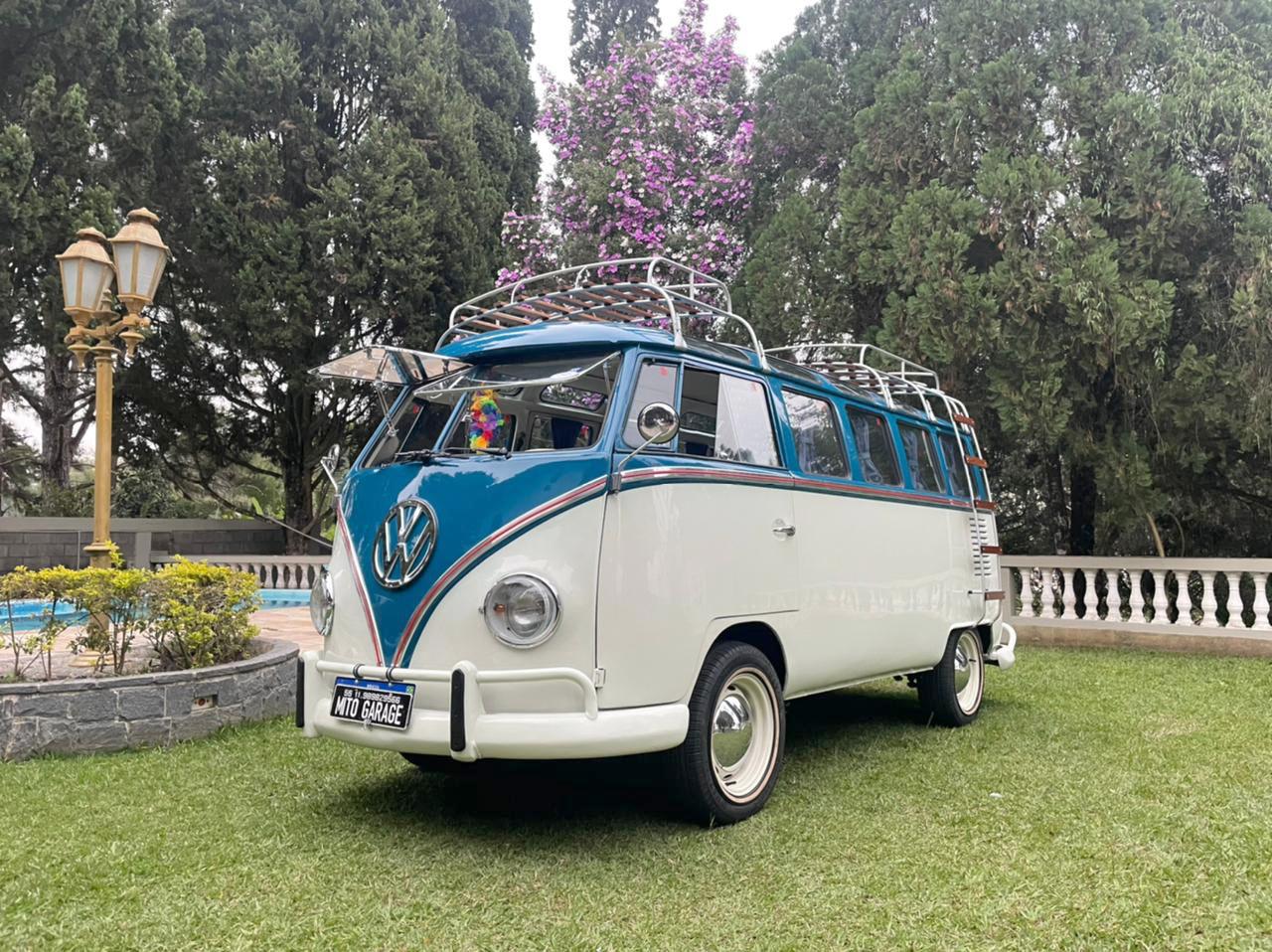 VW Kombi T1 Samba (Réplica) White and Blue 1969